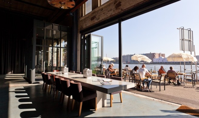 cafc3a9-restaurant-stork_enormous-open-doors-to-terrace_photo-by-kromhouthal-1080x641