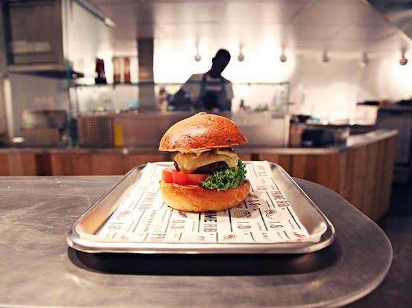 the-butcher-social-club-amsterdam-600x450-602x450