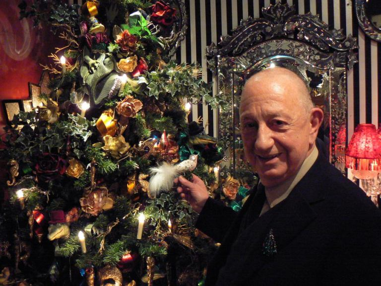 Der Baseler Johann Wanner ist seit den 1960er-Jahren in Sachen Weihnachtsbaumschmuck tätig und gilt international als Trendsetter. Fotos: Hans-Jürgen Amtage