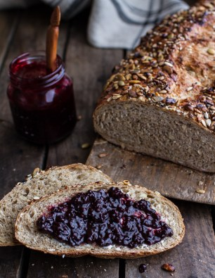 seeded-whole-grain-breakfast-bread-171