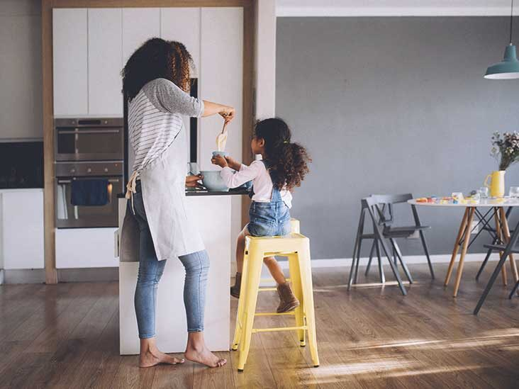 Important Life Lessons Every Mom Must Teach Their Children