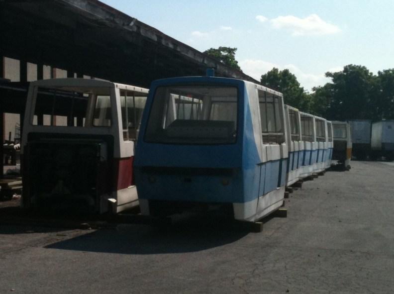 2011-06-06 Metro Monorail Trains in Storage 002