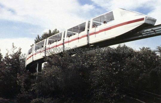 carowinds-monorail-004-carowinds-early-years