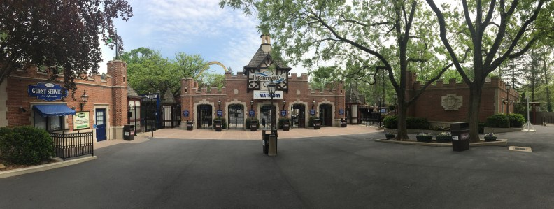 2017-05-04 Hersheypark Entrance.jpg