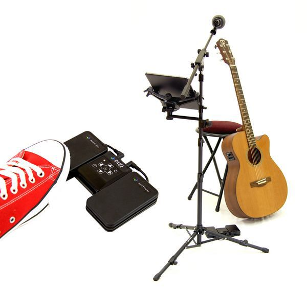 tn_goSTAND_with_DUO_boom_mic_and_tablet_and_guitar__67069.1436918032.1280.1280