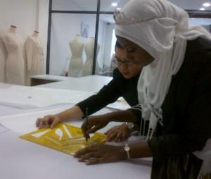Obabiyi Aisha got scholarship from Imelda Sparks Fashion Academy to make her dream comes true   Interview with Founder of World Muslimah : Eka Shanty Eka Shanty   www