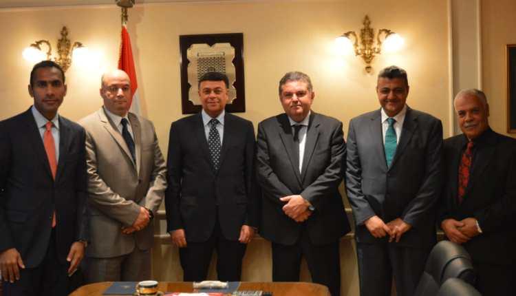 جانب من اجتماع وزير قطاع الأعمال بقيادات مصر القابضة للتأمين