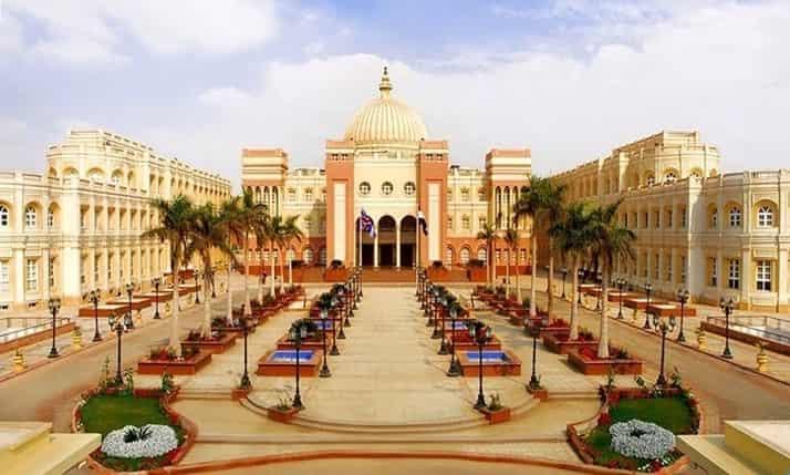 الجامعة البريطانية بالقاهرة