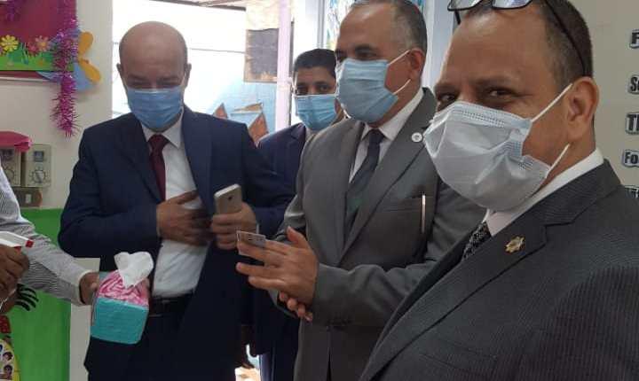 محمد عبد العاطي وزير الري يدلي بصوته في الانتخابات