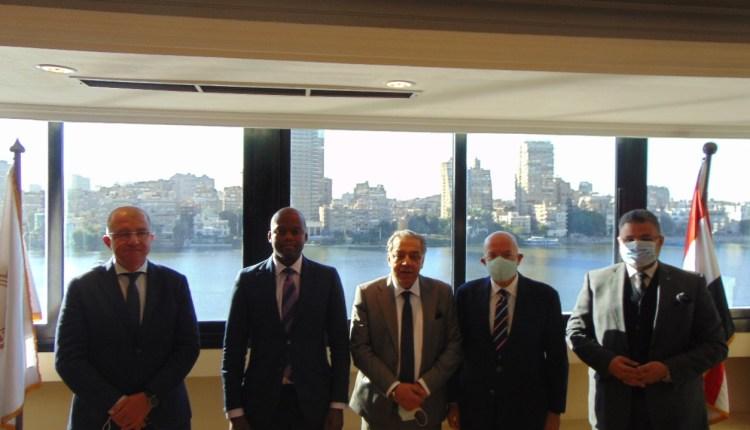 لقاء اتحاد الصناعات مع سكرتير منطقة التجارة الحرة القارية الأفريقية