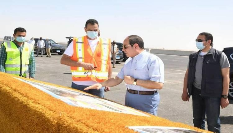 الرئيس السيسي خلال جولة تفقدية لمشروع الطريق الدائري الأوسطي وسوق السيارات الجديد