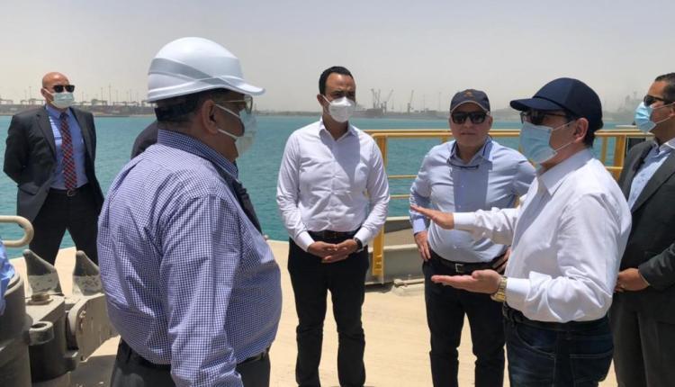 وزير البترول يتفقد عدد من المشروعات البترولية