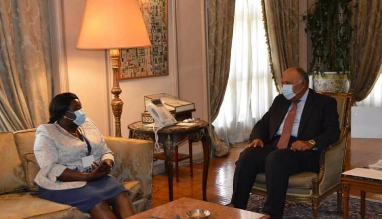 وزير الخارجية يلتقي نظيرته السودانية لبحث العلاقات الثنائية