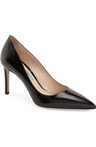 It was my friend Margaret's Prada pumps that really got me hooked on beautiful shoes. Damn you, Margaret!