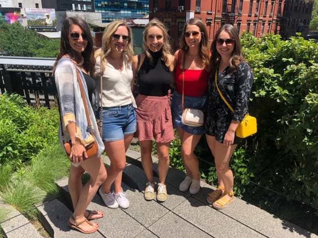five girls on the highline in new york city