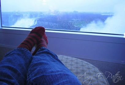 Niagara Falls vacation feet picture