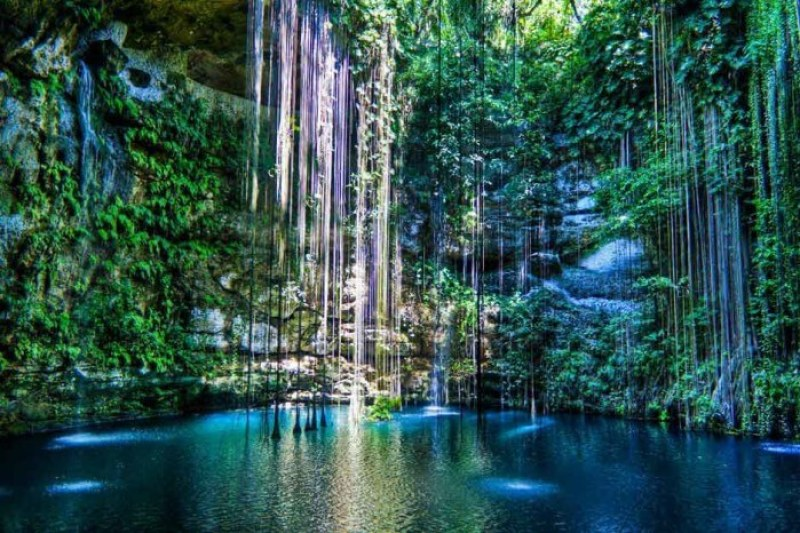 Mayan cenote | Courtesy of deckerpalooza.com