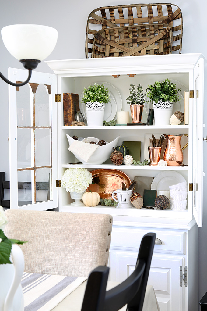 Full-Hutch-from-Side