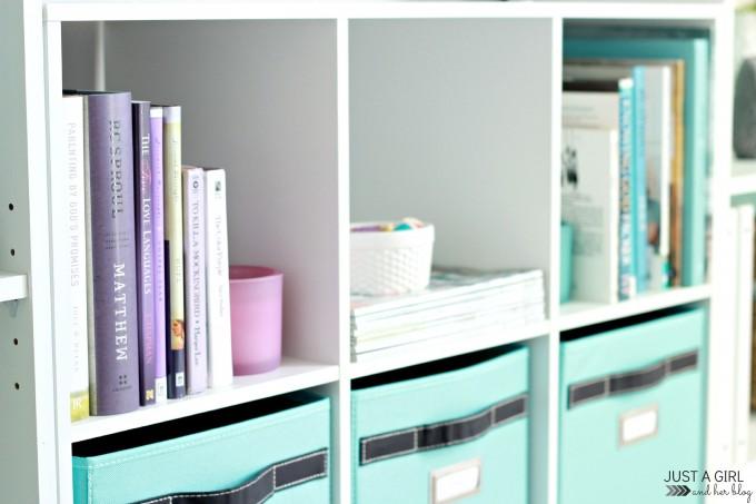 Books-Side-680x453