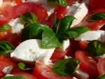 tomato-and-mozzarella-salad-8829_640