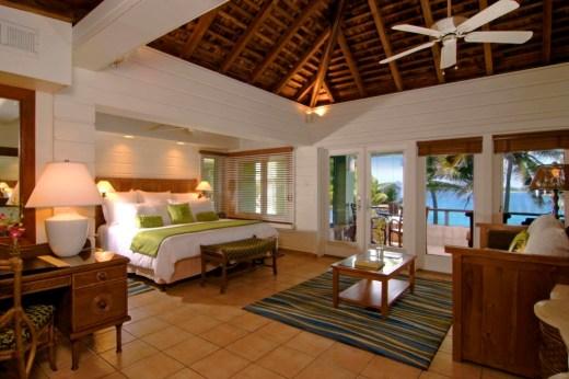 Peter Island beachfront Junior suite