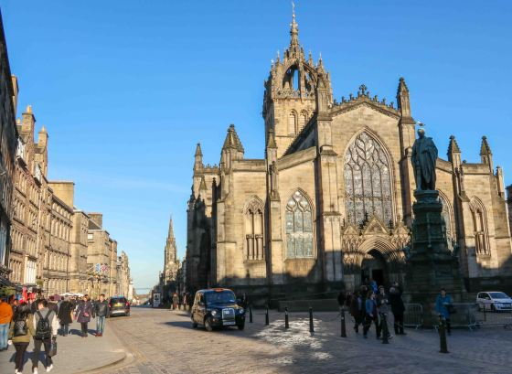 The Royal Mile in Edinburgh on a sunny blue sky day. Copyright Amy Laughinghouse