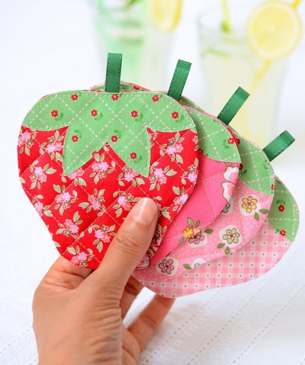 Quilted-Strawberry-Coasters-5