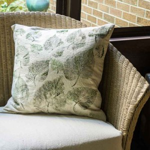 DIY-Leaf-Printed-Pillow-Covers