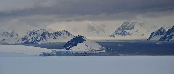 Antarctica as photographed by Vincent van Zeijst
