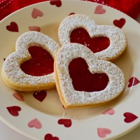 "Italian ""Eye Love You"" Heart Cookies"