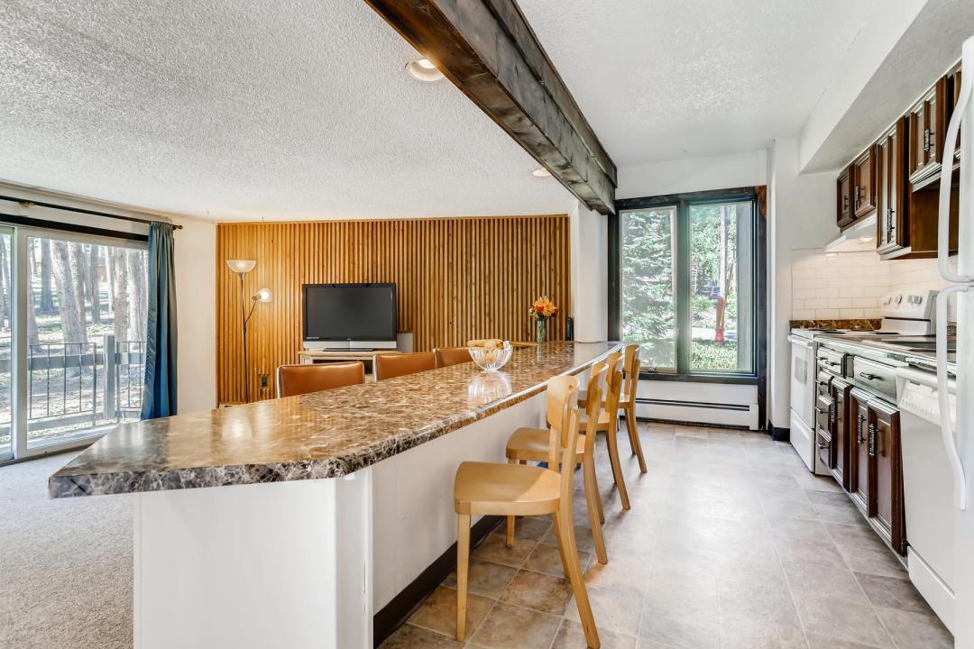 1173 Ski Hill Road Unit 123-011-025-Kitchen-MLS_Size