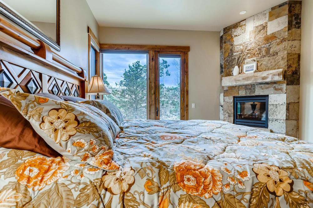 312 Shores Breckenridge Master Bedroom