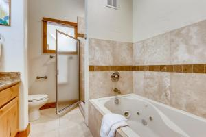 65 Antlers Gulch Road Unit 505-large-021-017-Master Bathroom
