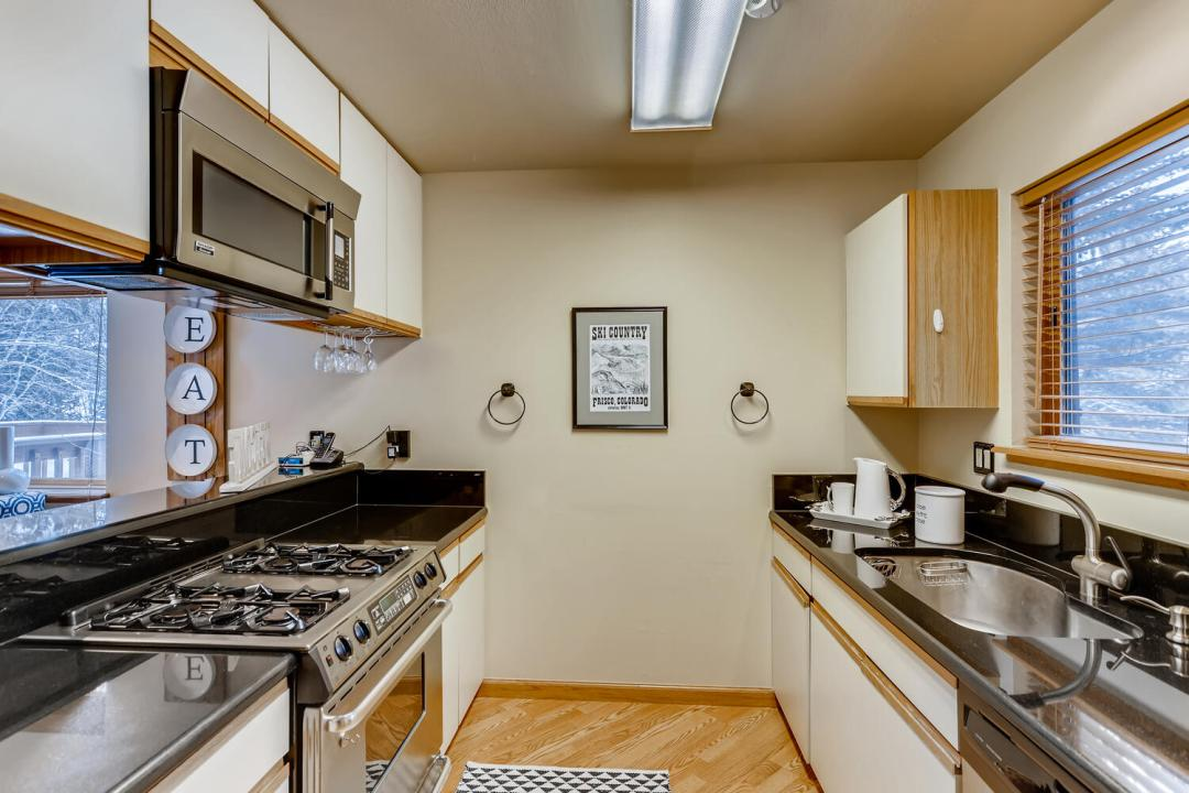 FRISCO HOME FOR SALE KITCHEN