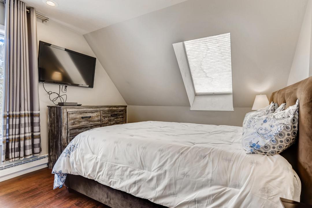 5 Bedroom Keystone Condo for Sale 17