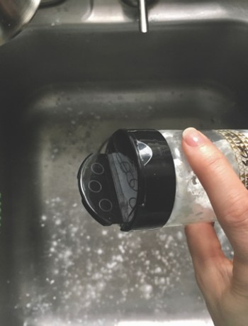 Sprinkle on DIY Daily Sink Scrub