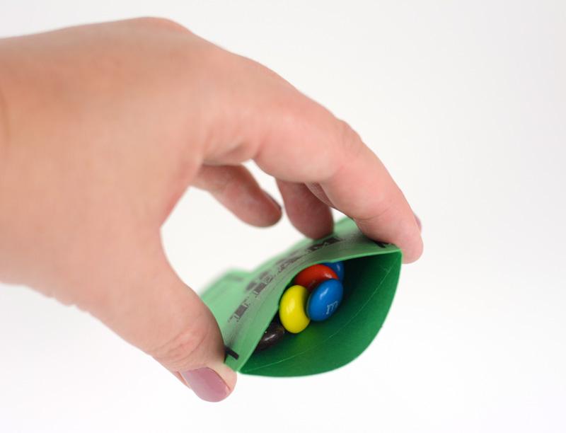 foam finger open box