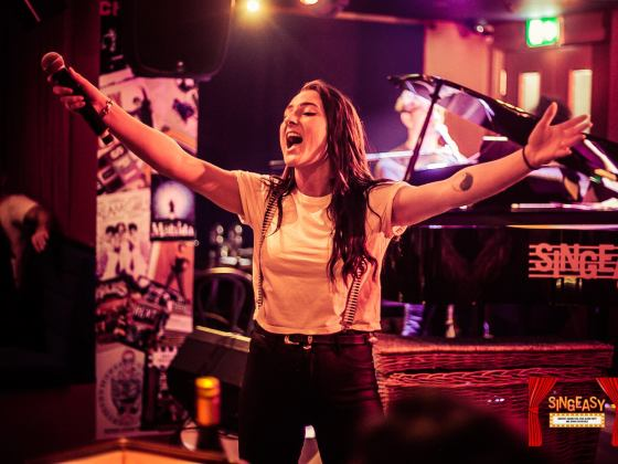 SingEasy West End singalong at PianoWorks