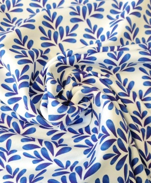Fräulein von Julie French Terry Watercolour Leafes, blau/weiß