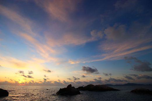 Matahari terbit Pantai Parai Tenggiri