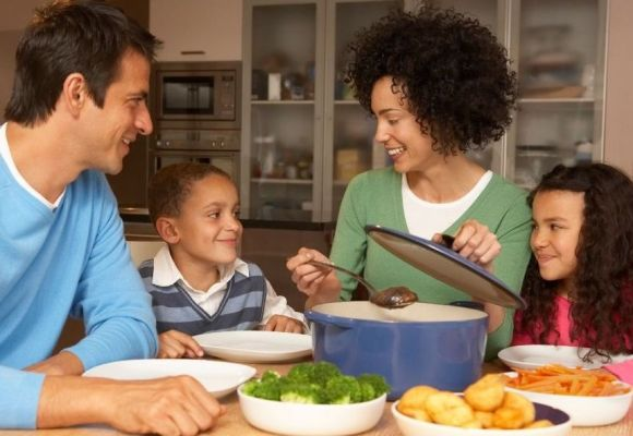 Picky Eaters or Normal Eaters – Family Mealtime is a time for joy!