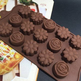 15-Cavity Silicone Flower Rose Chocolate Cake Soap Mold