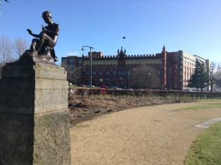 Pied Piper statue