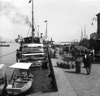 Italie Naples Le port