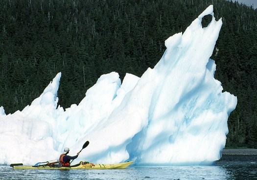 iceberg_with_hole_769