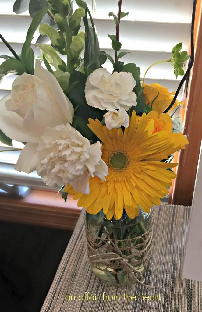 Mason Jar / Twine Vase