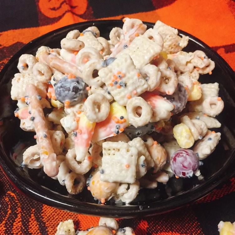 {Gluten-Free} Candy Corn Crunch Snack Mix