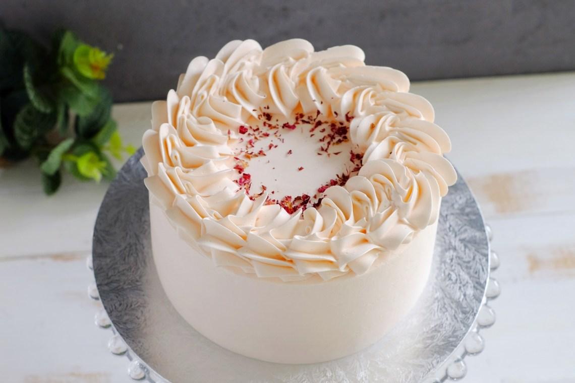 Petite Joy Bakes_Lychee Rose Cake