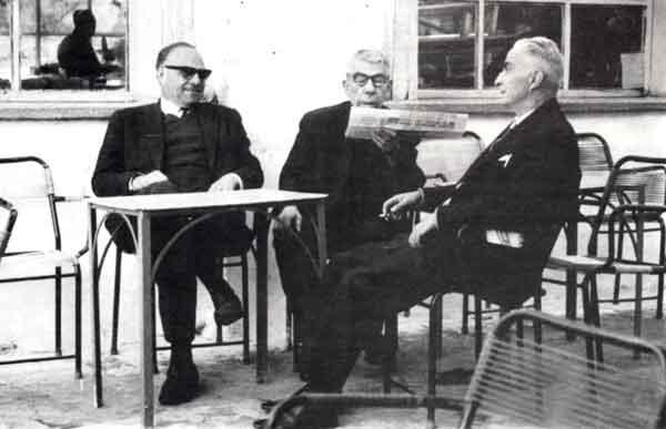 Ο πρόεδρος του Αναγνωστηρίου Πάνος Πράτσος, ο Χριστόφας Χατζηπαναγιώτης κι ο Ευστράτιος Χατζηπροκοπίου (Κεφάλας)