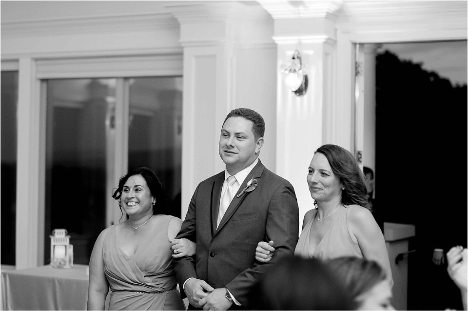 virginia-winery-wedding-at-breaux-vineyards-ana-isabel-photography44